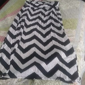 Fantastic Chevron black and white maxiskirt